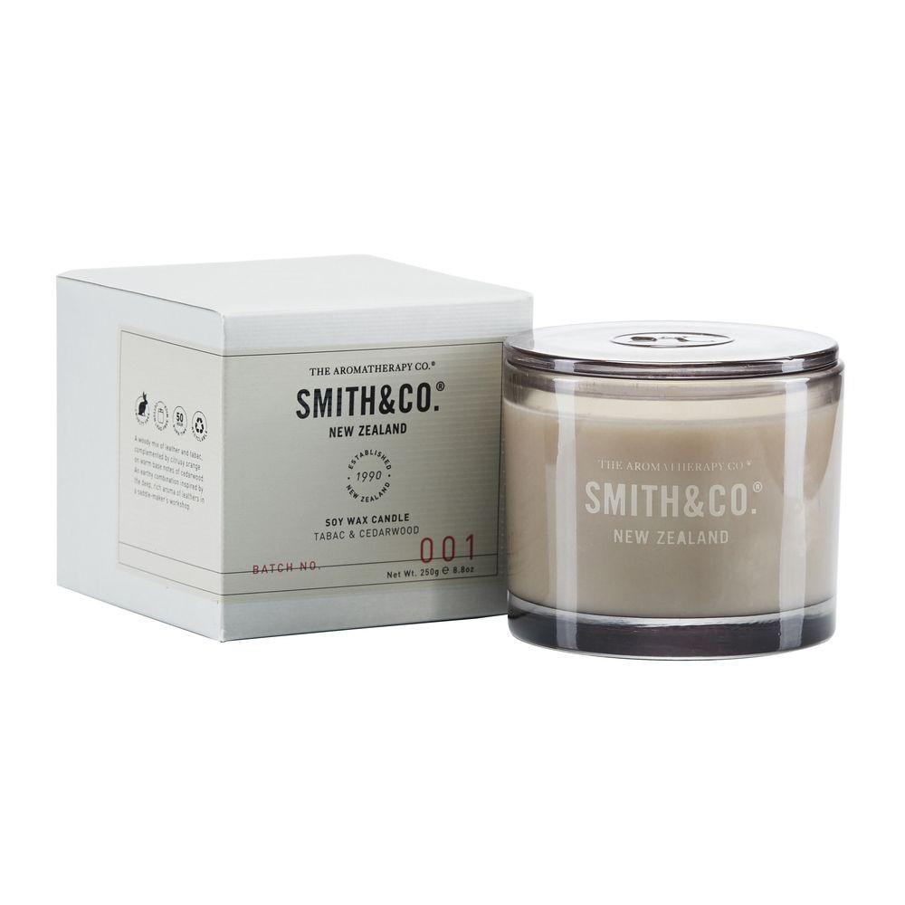 Lõhnaküünal IT00205 Smith&Co - Tabac & Mänd